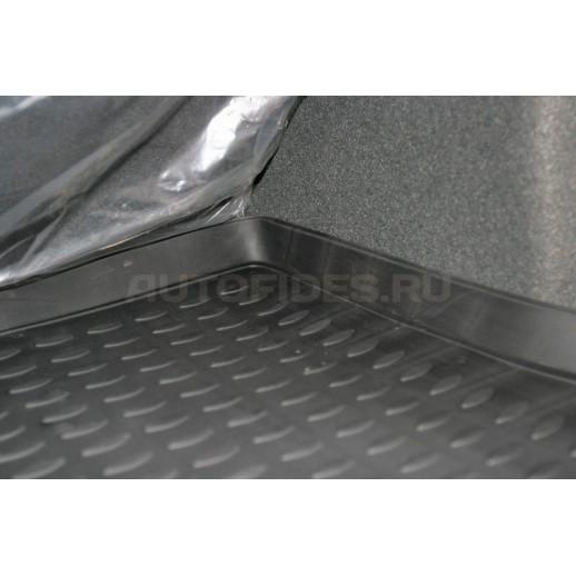 Novline коврик в багажник NLC.25.19.B13 KIA Sorento 03 полиуретан